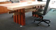 Tamo desk